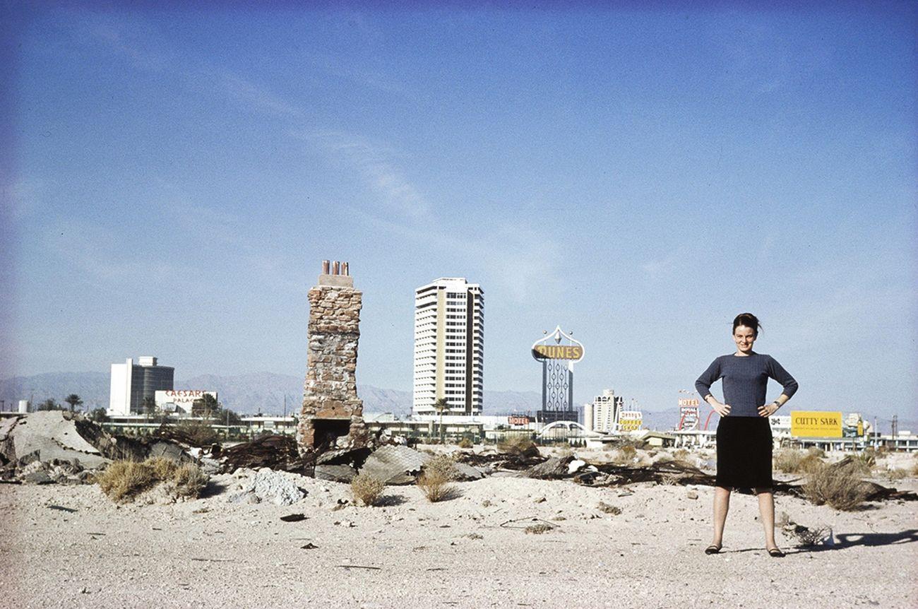 Denise Scott Brown a Las Vegas, 1966 © Robert Venturi