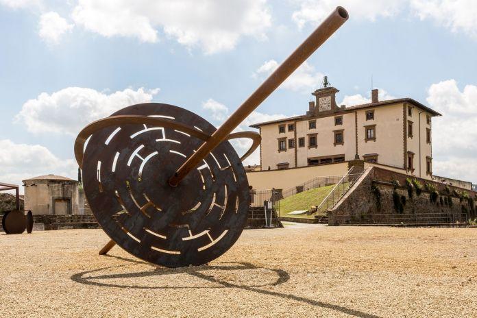Eliseo Mattiacci, Le vie del cielo, 1995. Forte di Belvedere, Firenze 2018. Photo Simona Fossi