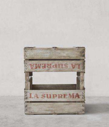 Fabio Viale, La Suprema, 2018 White marble and pigments, cm 90 x 80 x 60