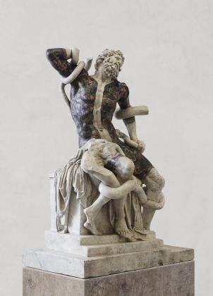 Fabio Viale, Laocoonte, 2018 White marble and pigments, cm 198,5 x 134 x 87