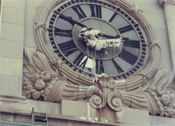 Gordon Matta-Clark, Clockshower, 1973. Courtesy The Estate of Gordon Matta-Clark e David Zwirner © 2018 The Estate of Gordon Matta-Clark - ADAGP, Parigi
