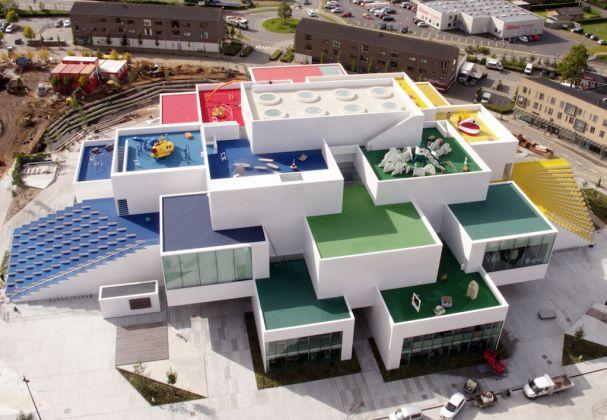 Lego House, preparazione