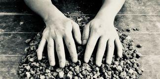 Il suono delle pietre, sperimentazioni sonore site specific di Francesca Romana Motzo