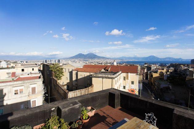 Panorama di Napoli da Casa Morra. Photo www.fondazionemorra.org