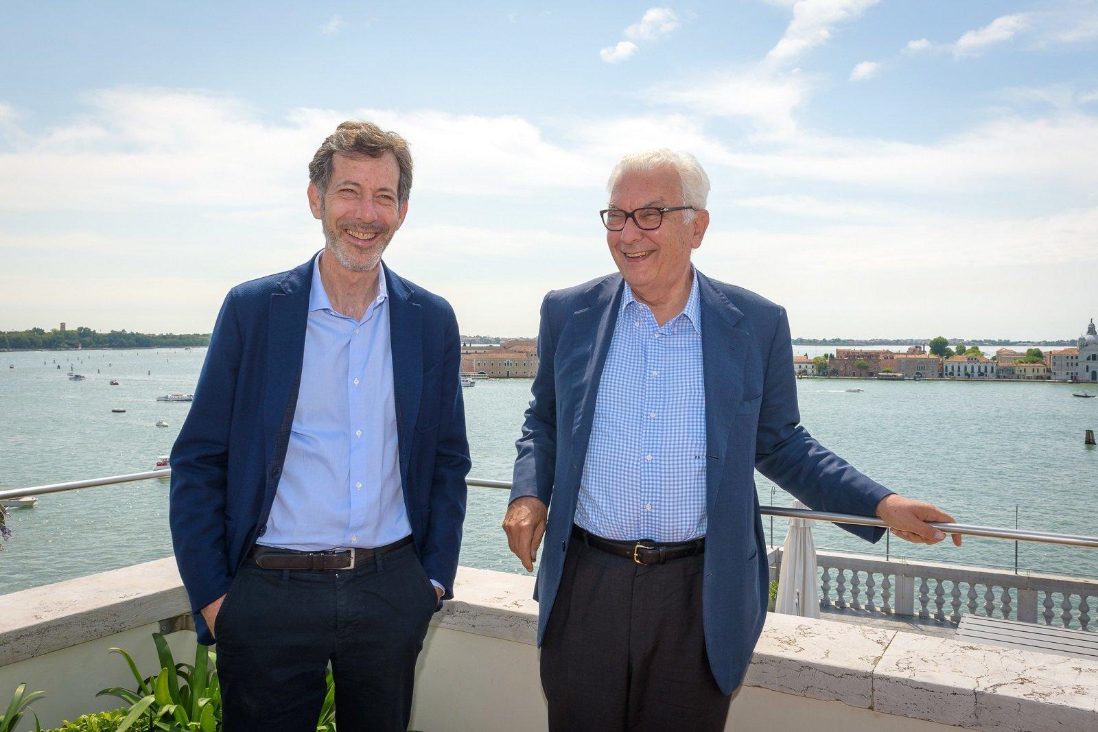 Ralph Rugoff e Paolo Baratta. Photo by Andrea Avezzù. Courtesy La Biennale di Venezia