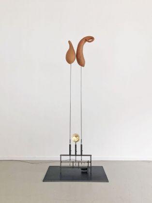 Rebecca Horn, Zweisamkeit In Einsamkeit, 2018, courtesy Studio Trisorio
