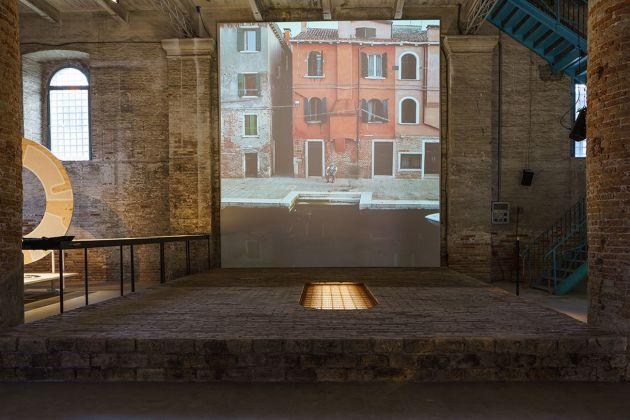 Rozana Montiel Estudio de Arquitectura, Stand Ground. Photo Andrea Avezzù. Courtesy La Biennale di Venezia