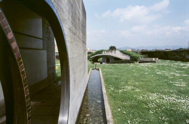 San Vito d'Altivole, 1983, Carlo Scarpa, Cimitero Tomba Brion © Eredi di Luigi Ghirri. Courtesy Editoriale Lotus