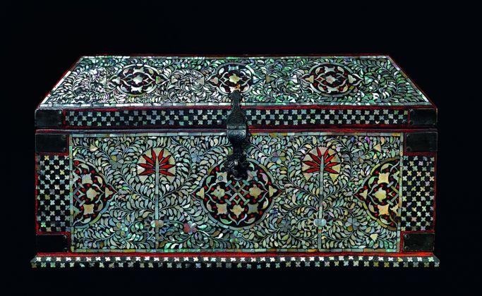 Scrigno, Gujarat, India, XVI sec. Collezione privata, Lisbona. Photo credits Massimo Listri