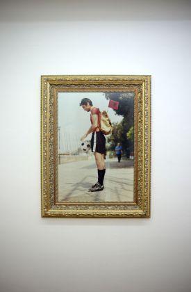 Sislej Xhafa, Padiglione Clandestino, 1997. Performance non autorizzata durante la 47. Biennale di Venezia, Padiglione albanese clandestino. Courtesy Galleria Continua