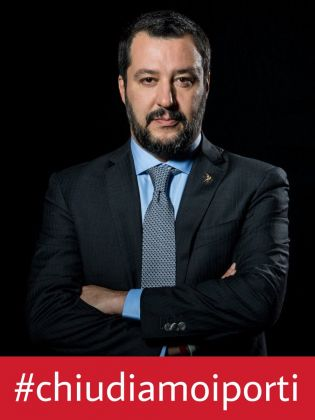 Matteo Salvini e la campagna sui social per chiudere i porti italiana ai migranti