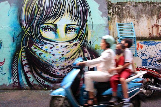 Alice Pasquini, Ho Chi Minh, 2013. Photo Jessica Stewart
