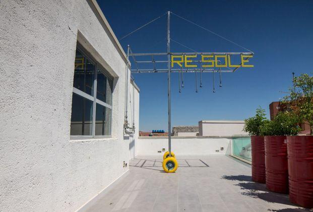 """Andrea Bartoli, Farm Cultural Park, Favara. Installazione """"Re Sole"""" a cura di Studio di architettura Analogique"""