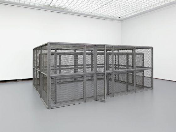 Bruce Nauman, Double Steel Cage Piece, 1974. Museum Boijmans Van Beuningen, Rotterdam. Photo Jannes Linders, Rotterdam © Bruce Nauman - 2018, ProLitteris, Zurich