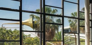 Eduardo Navarro, Sound Mirror, 2016. Installation view at 32nd Bienal de São Paulo, San Paolo. Courtesy the artist and Galeria Nara Roesler, São Paulo. Photo Gui Gomes