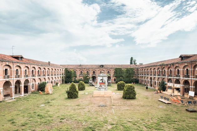 Caserne PEPE. Le Lido, Venise. Lieu investi par des collectifs