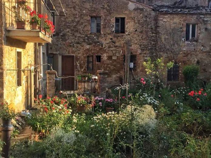 Laura Cionci, Il Giardino segreto, 2018. Still da video