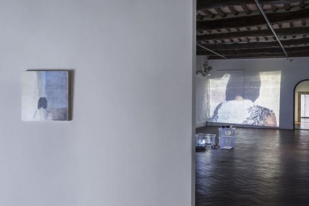 Lee Kit. Linger on, your lit up shade. Exhibition view at Casa Masaccio Centro per l'Arte Contemporanea, San Giovanni Valdarno 2018. Photo OKNOstudio