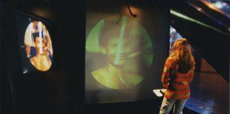 Maurice Benayoun, The Paris New Delhi Tunnel ‒ Maurice Benayoun Virtual Reality, networks, video and audio communication, music, 1998, photo MoBen via Wikipedia
