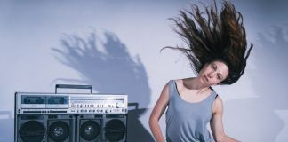 Nicola Gunn, Piece for Person and Ghetto Blaster ® Sarah Walker
