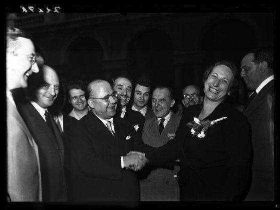Publifoto, L'inaugurazione della Pinacoteca di Brera, 9 giugno 1950. Milano, Archivio Publifoto. Fernanda Wittgens con il ministro Guido Gonella
