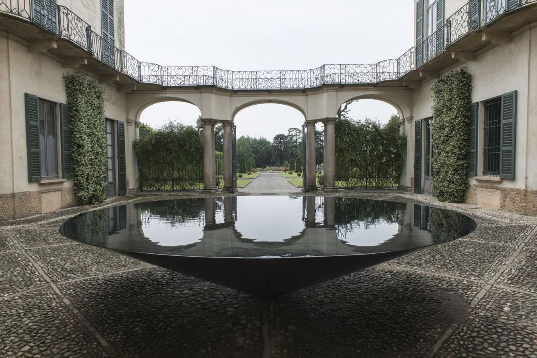Villa e Collezione Panza, Meg Webster, Cone of Water, 2015. Photo www.tenderinifotografia.com © FAI - Fondo Ambiente Italiano