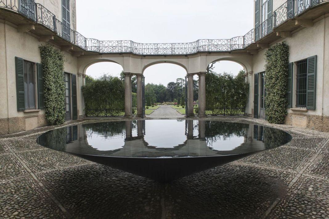 Villa e Collezione Panza, Meg Webster, Cone of Water, 2015. Photo www.tenderinifotografia.com © FAI - Fondo Ambiente Italiano