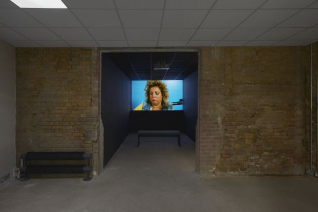 Installation view, Mika Rottenberg, Goldsmiths Centre for Contemporary Art, 8 September – 4 November 2018, photo: Andy Keate. Image courtesy of the artist and Goldsmiths CCA.