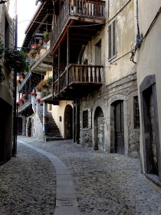 Borgo di Bienno Valle Camonica. Ph. Luca Merisio