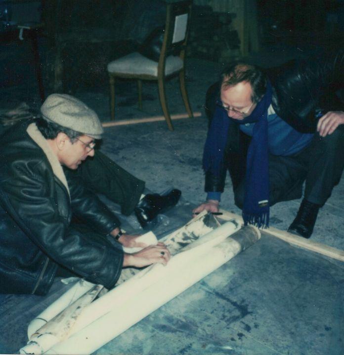 1982 Enzo Cannaviello e Sigmar Polke nel suo studio di Colonia scelgono i lavori per la mostra