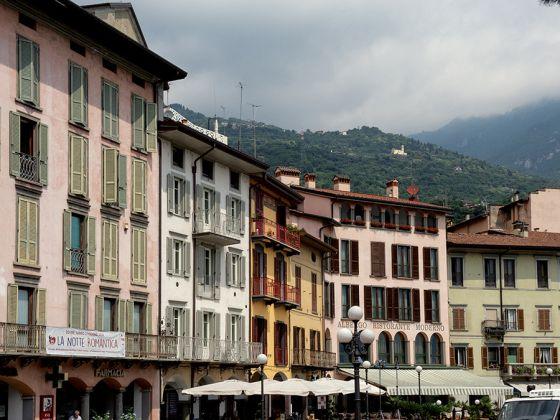 Borgo di Lovere, Piazza, ph. Luca Merisio