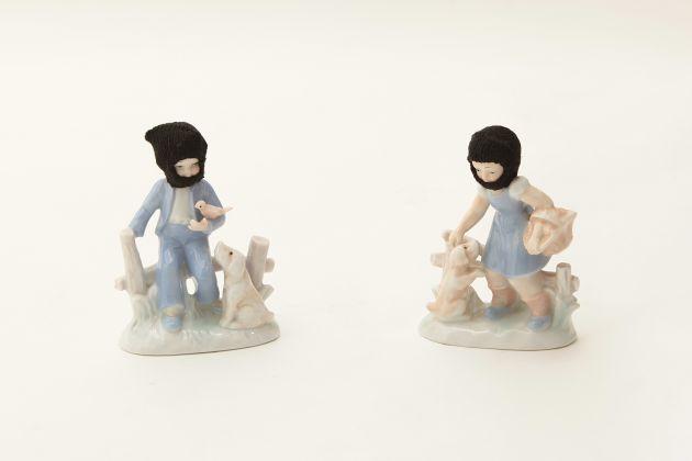 Adalberto Abbate, Antagonisti, 2009, series Rivolta, balaclava in lana su porcellana, courtesy della famiglia Lotà Raia
