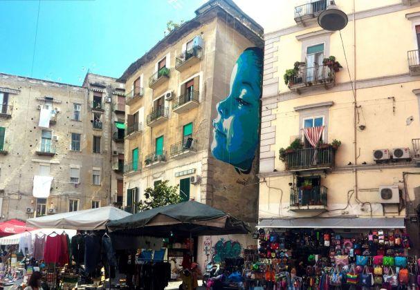 David Diavù Vecchiato, Cucù...Tetè, murale per Urban Neapolis, Piazza Pignasecca, Napoli, 2018. Photo Francesco Fagnoni