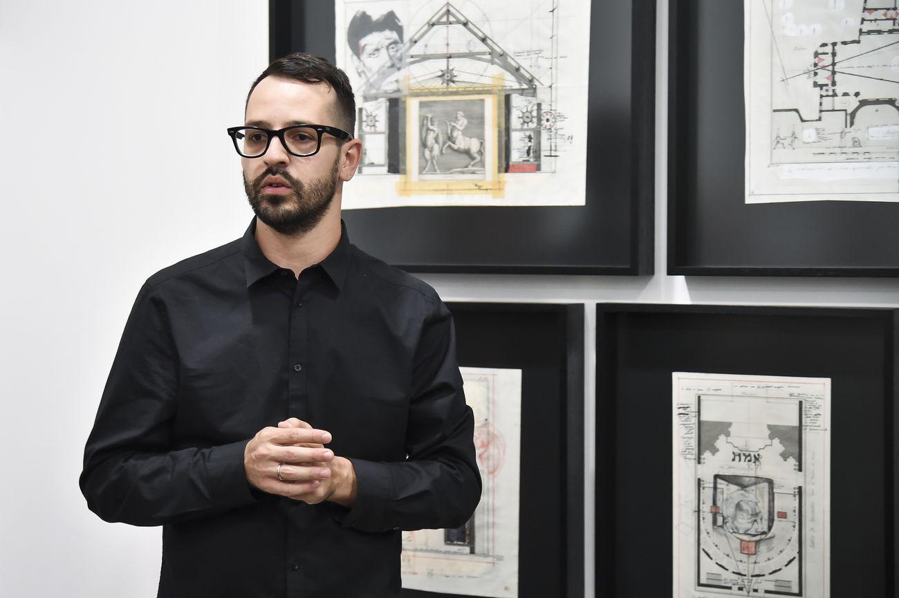 Fabrizio Cotognini. Reversed Theatre. The artist at Fondazione Sandretto Re Rebaudengo, Torino 2018. Courtesy l'artista e FSRR, photo Giorgio Perottino