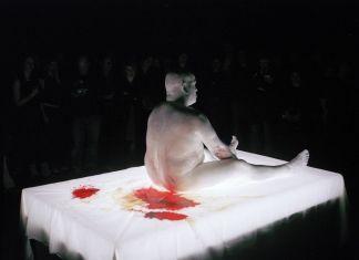 Franko B, Oh lover Boy, 2005. Courtesy l'artista. Photo Hugo Glendinning