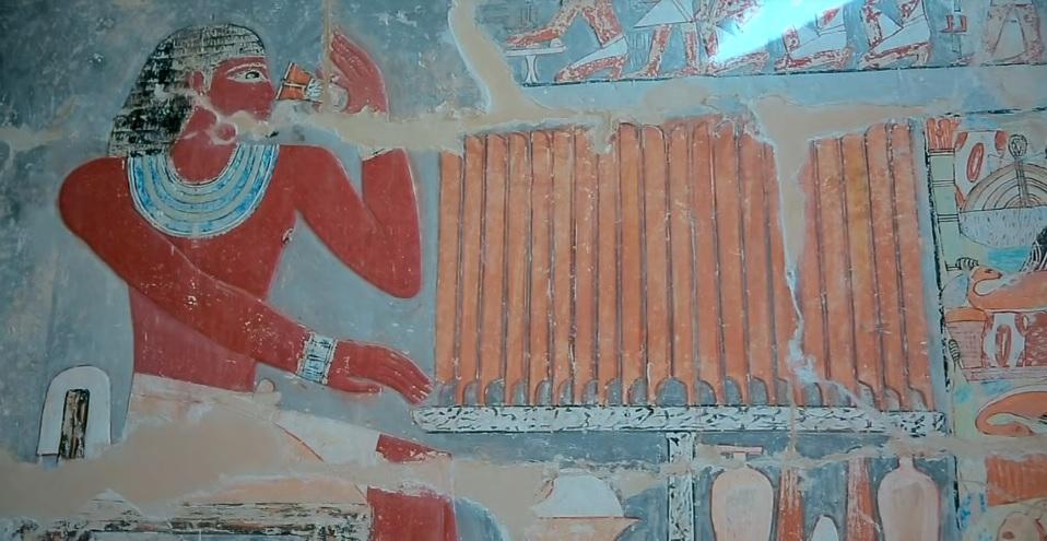 Il Cairo, decorazioni pittoriche dentro la tomba di Mehu
