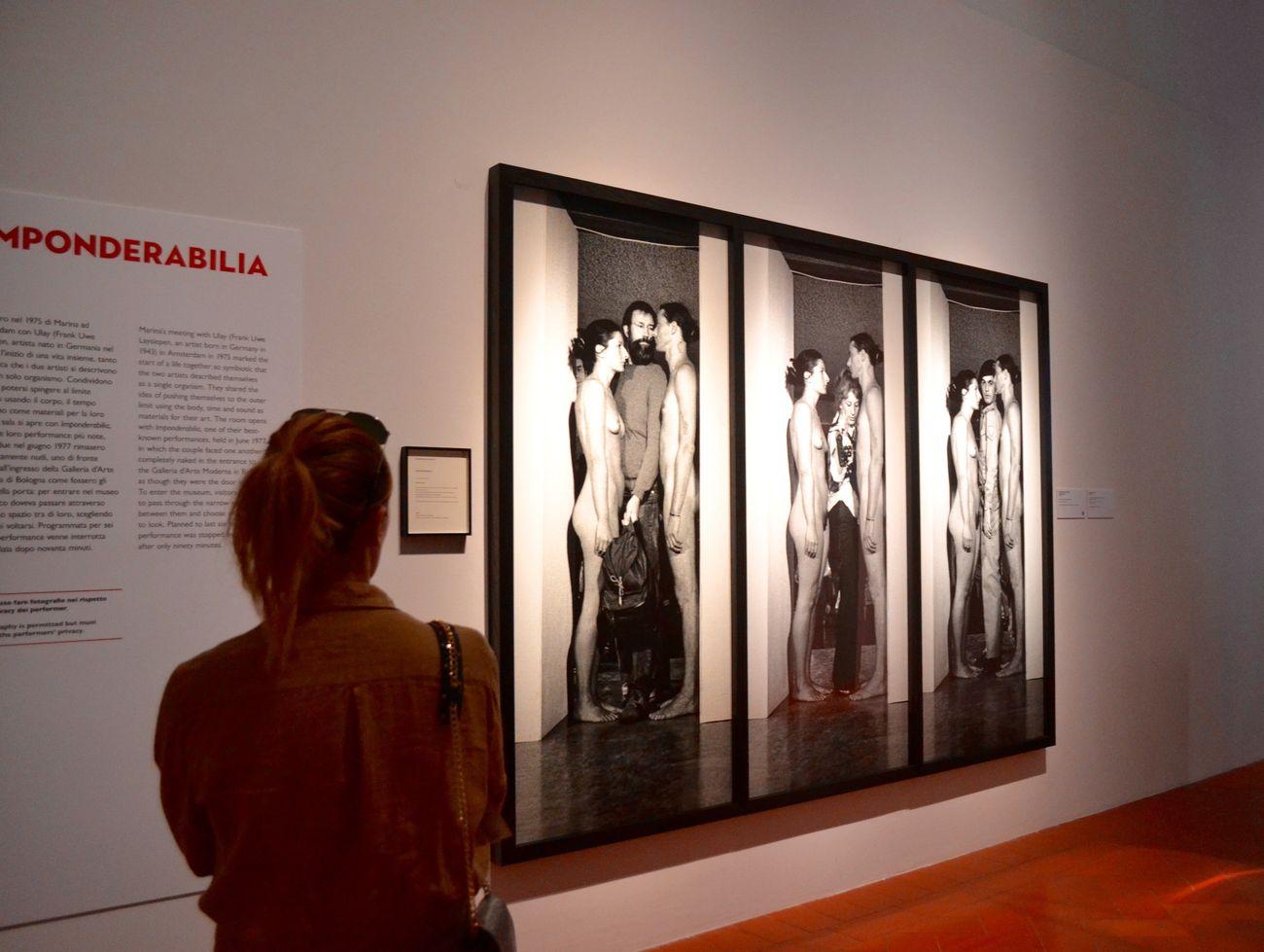 Marina Abramović & Ulay, Imponderabilia, Marina and Ulay, 1975. Installation view at Palazzo Strozzi, Firenze 2018