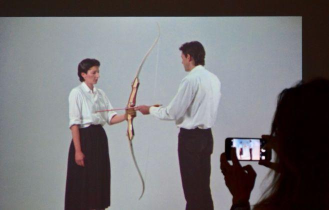 Marina Abramović & Ulay, Rest Energy, 1980, still da video. Installation view at Palazzo Strozzi, Firenze 2018