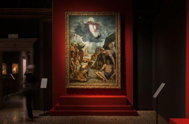 Tintoretto, Sant'Agostino risana gli sciancati, 1549-50, installation view at Palazzo Ducale, Venezia 2018, photo Irene Fanizza