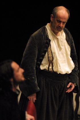 Toni Servillo e Peppino Mazzotta nel Tartufo di Molière