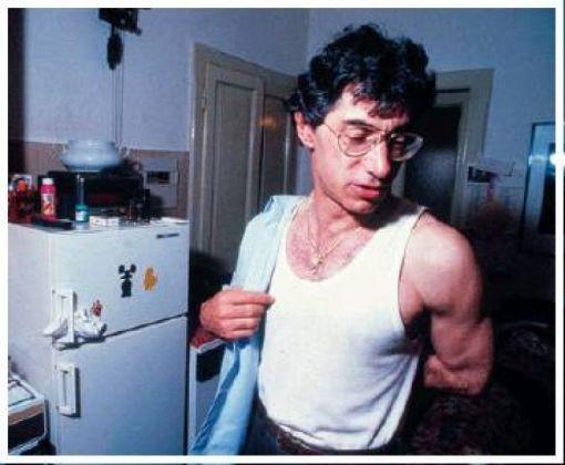 Umberto Bossi in canottiera