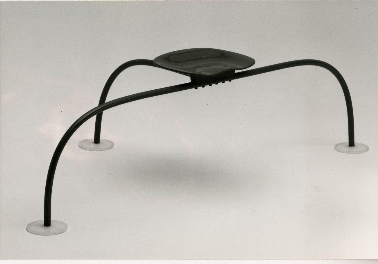 Achille e Pier Giacomo Castiglioni, Sedile Allunaggio, 1966. Committente A P (prototipo), prod. Zanotta 1980. Courtesy Fondazione Achille Castiglioni