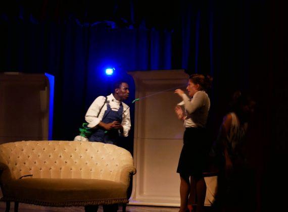 Agata Marchi e Lamin Kijera in una scena di Memorie di una signora per bene di Edoardo Pitré. Photo Francesca Granata