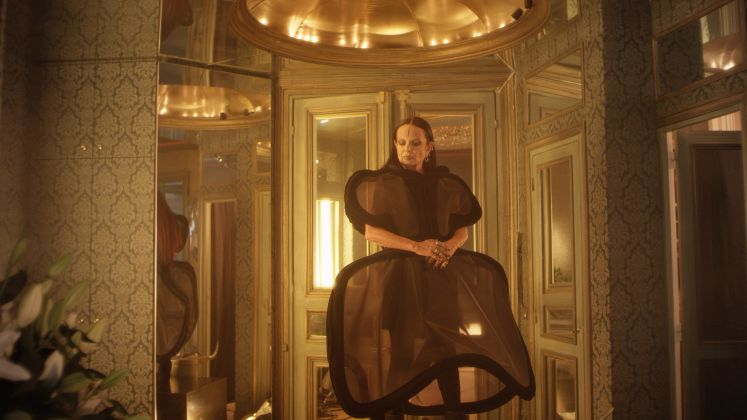 Beyond the Walls of Eden by Scarlett Rouge and Saulo Madrid.ASVOFF - A Shaded View on Fashion Film