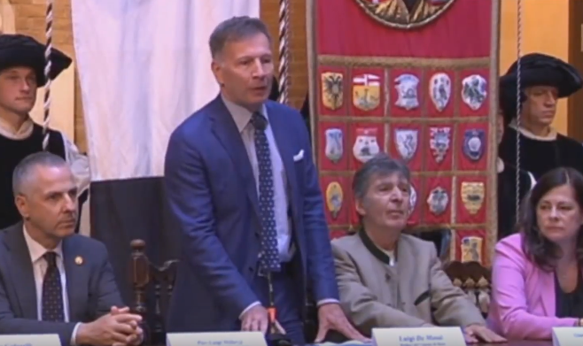 Il sindaco di Siena De Mossi e Gian Marco Montesano alla presentazione