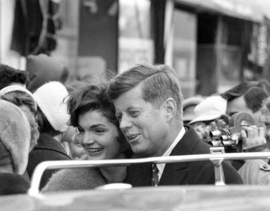 John e Jackie, campagna elettorale 1960. Photp JFK Library, Kennedy Private Collection