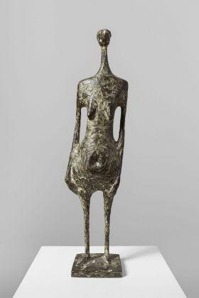 Kenneth Armitage, Standing figure, 1954. Lisbona, Museu Coleção Berardo. Photo Bruno Lopes