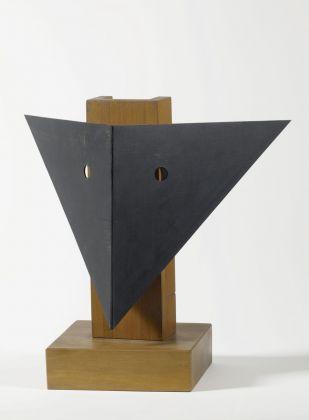 Man Ray, L'indicateur, 1952. Milano, Collezione Angelo e Silvia Calmarini. Photo Saporetti Immagini d'Arte Snc © Man Ray Trust by SIAE 2018