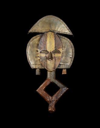Mbulu ngulu, Figura da reliquiario. Africa centrale. Gabon. Etnia Kota. Fine del XIX secolo. Lugano, Collezione privata