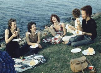 Nan Goldin, Picnic on the Esplanade, Boston, 1973